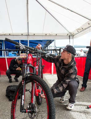 Setting up the Epic is simple; using the bike's Autosag to set the shock takes just seconds