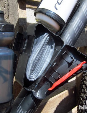 The SWAT box on the down tube holds a tube, lever and cartridge (not shown)