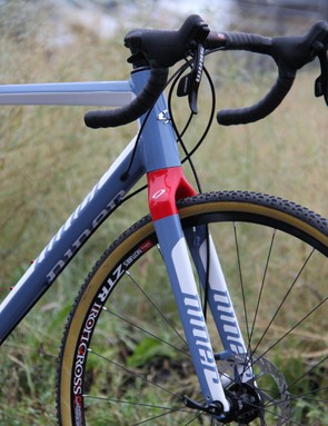 Niner adapted their full carbon fork for use on the RLT 9