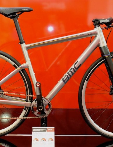 BMC's new aluminium uber hybrid, the Alpen Challenge, combines clean lines with disc brakes. This AC01 features SRAM's XX1 drivetrain.