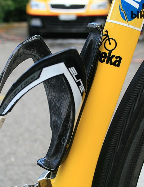 Two Elite Custom Race bottle cages – a pro peloton favourite – will carry  refreshments