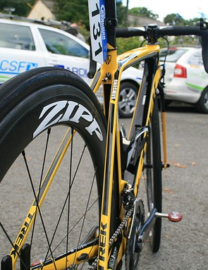 MTN-Qhubeka use Zipp 404 Firecrest tubulars with 25mm tyres. Those tyres should be Bontrager, but they're not, because US brand doesn't currently produce a 25mm tubular