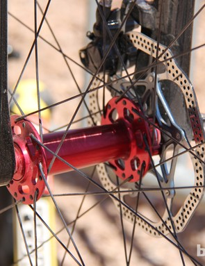 The Yampa fork as a claimed weight for 575g. The fork features a 135mm spacing and a 15mm thru-axle