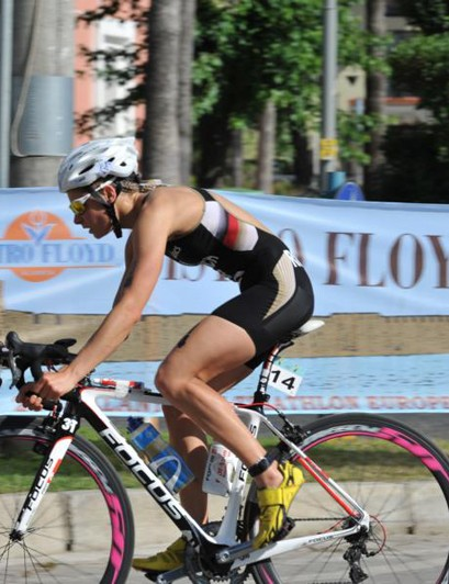 German triathlete Rebecca Robisch on Carbon Aero 50 Superlight wheels