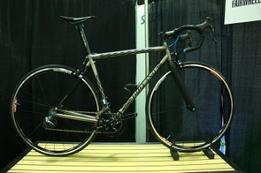Fairwheel Bikes Interbike 2013: A Holland coupler travel bike