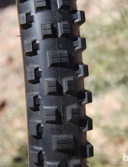 The Maxxis Shorty comes in a 26x2.4in and has a claimed weight of 1200g