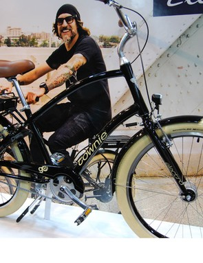 The men's version of Electra's Townie Go! with SRAM pedal-assist