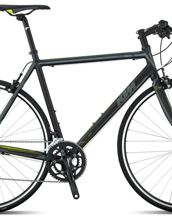 The KTM Strada 800 speed: a flatbar bike, perfect for comuting