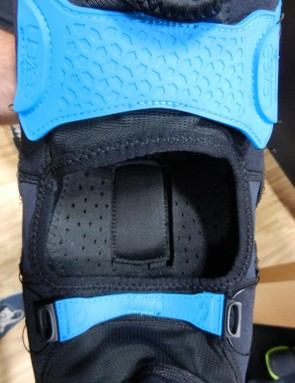 Inside the Tactic Knee is the floating knee socket. This small rectangular pad can slide up and down within the pad while pedalling to ensure the pad remains comfy and stays where it needs to be