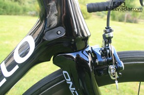The Dogma 65.1 uses a standard tapered headset set up 1-1/8in to 1.5in