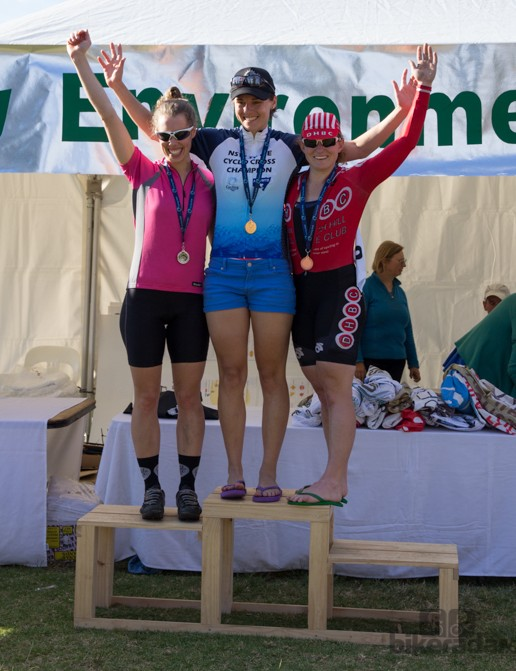 The elite womens's podium - Lizanne Wilmot, Heidi Kahl and Linsay Gorrell (third to first place)