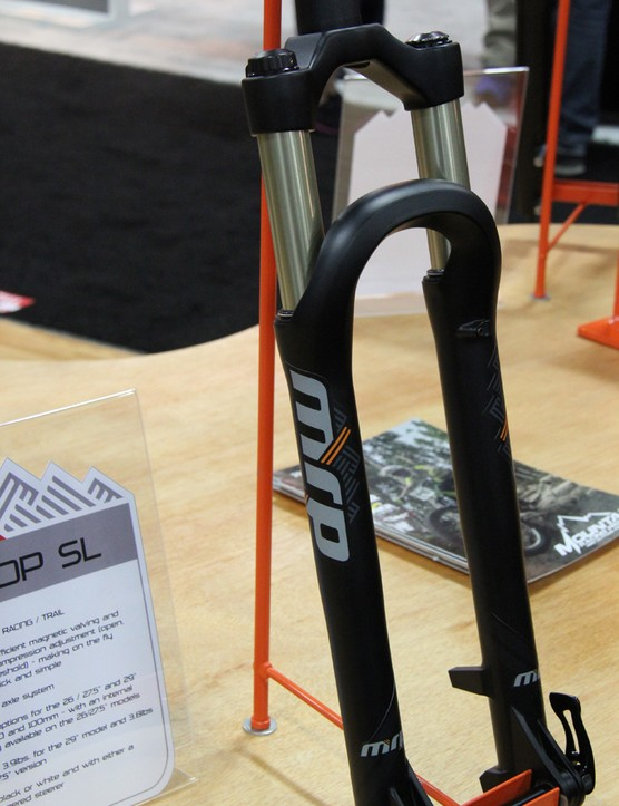 The LOOP SL is lighter than its predecessor; it has a claimed weight of 3.9lb (1,769g) for the 29in version