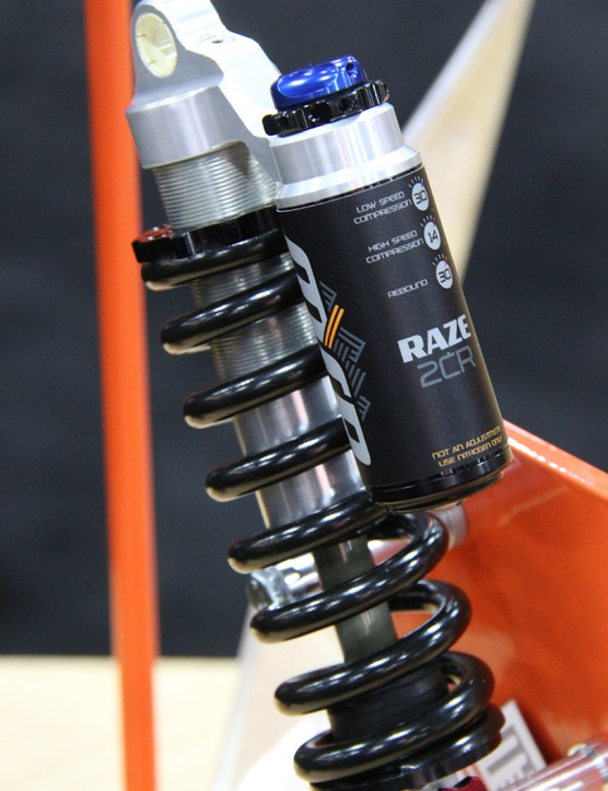 MRP recently acquired the mountain bike wing of Elka suspension. The Raze is essentially an Elka Stage 5