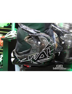 Kali Protectives has been hard at work developing a new lightweight and low profile full face helmet. The new Shiva has a carbon shell and a claimed weight of 950g while meeting DOT standards for motorcycles, as well as all mountain bike helmet standards. The Shiva will retail for US$499 and will be available next spring