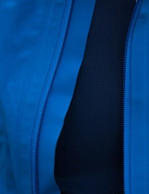 The main zipper is backed by a wind proof cover - sealing the zipper