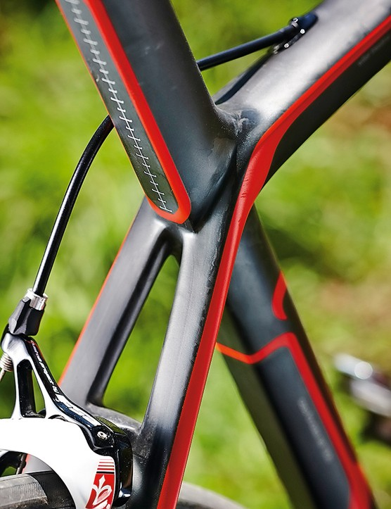 The oversize seatmast is aero-shaped with a squared-off rear