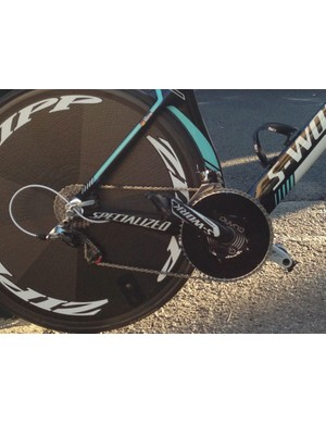 What kind of gear do you have to push to win the World Championship time trial? Tony Martin's Specialized S-Works Shiv TT at the 2013 world championships is equipped with enormous 58/44 chainrings on a Quarq power meter