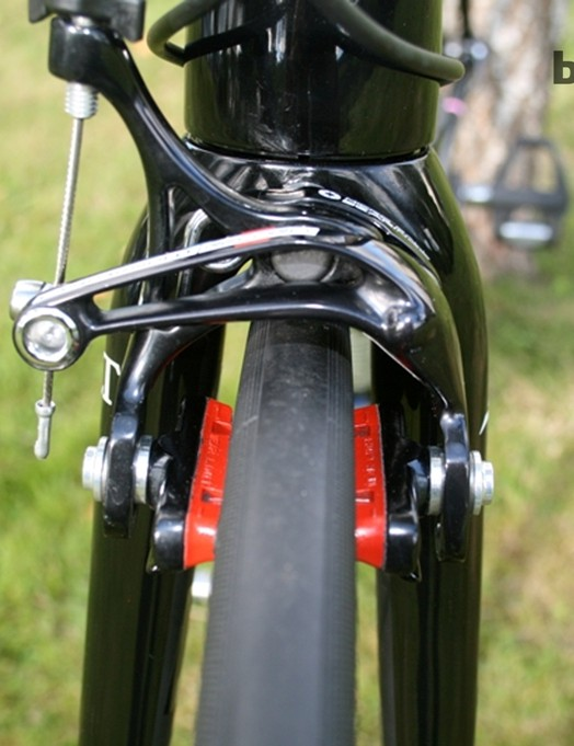 Carbon rim-specific pads transmit the brakes' stopping power to the Campagnolo Hyperon Ultra Two wheels