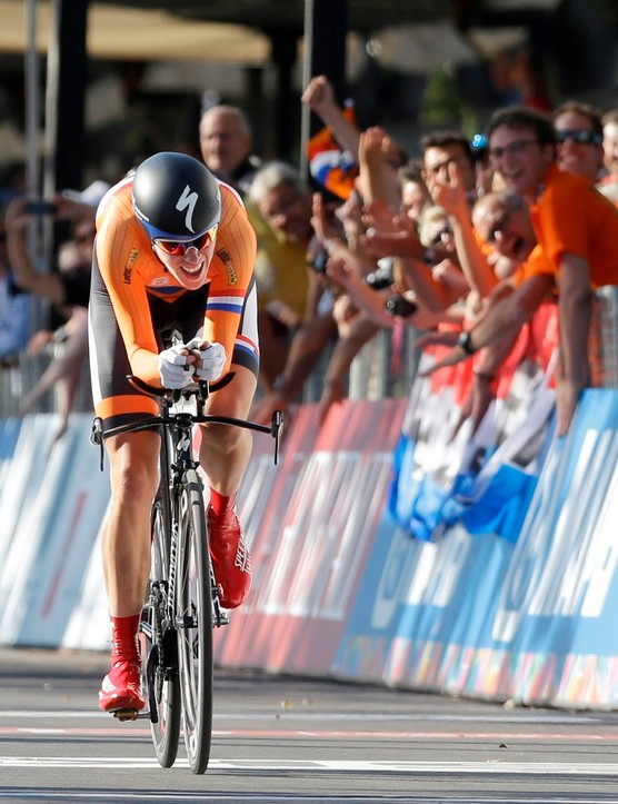Eileen Van Dijk (Netherlands) was favourite for the title in the women's individual event