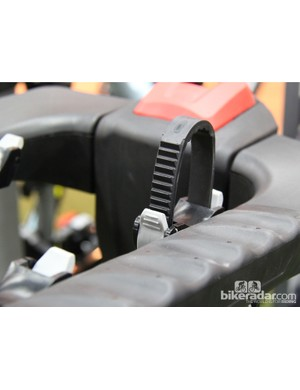 Ratching straps replace the rubberized straps of previous versions on Yakima's Fullswing 4
