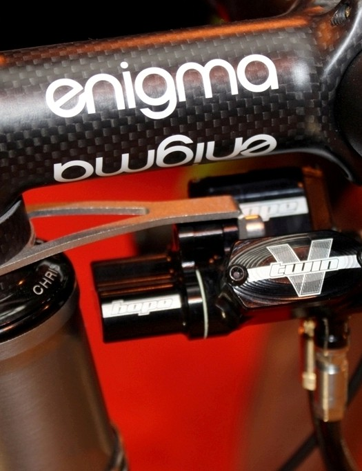 Hope V-Twin Hydraulic brakes provide the stopping power