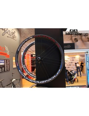 Campagnolo Bora Ultra 35 tubulars – the high end middle ground option between full aero (Bora Ultra Two) and climbing hoops (Hyperon Ultra Two)