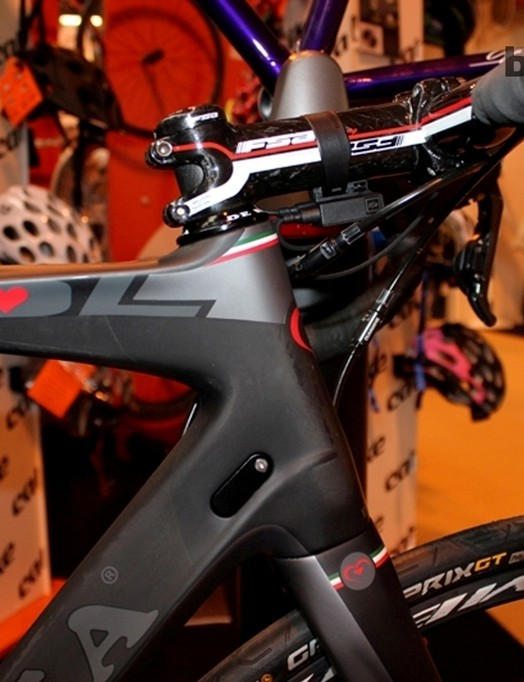 The Di2 junction box was mounted under the stem