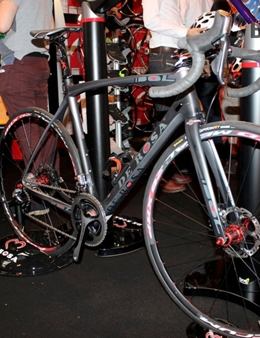 The De Rosa Idol with Shimano disc brakes cut a dash