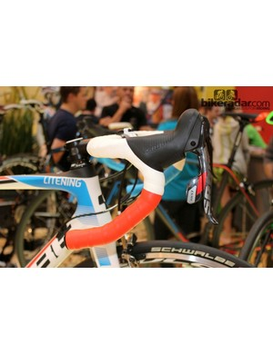 Back on the Cube Litening the design pattern had been cleverly incorporated into the handlebar tape