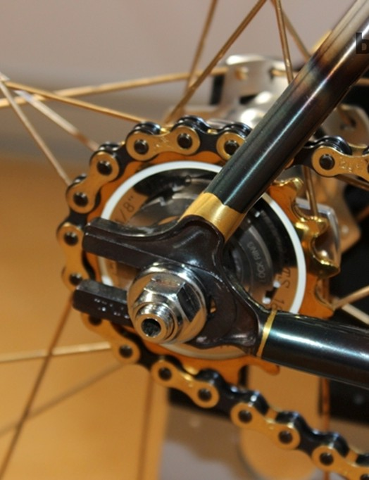 The two tone chain adds another dimension of cool to the Tange