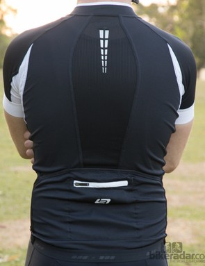 Bellwether Helius jersey - multiple different materials are used for a combination of airflow and snug fit