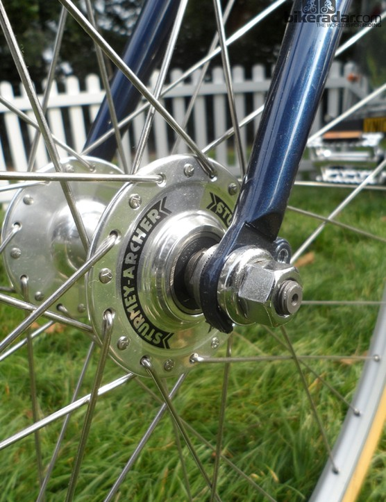 Sturmey Archer provide the high flange hubs on the single speed