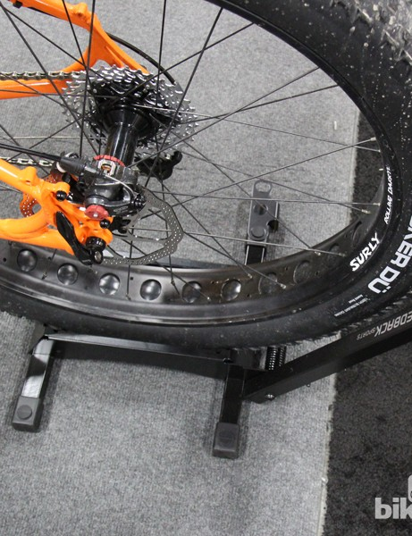 "Feedback Sports has a new version of its RAKK designed for fat bikes. The FAT RAKK is optimized for 3"" - 5"" wide tires and retails for retails for US$46"