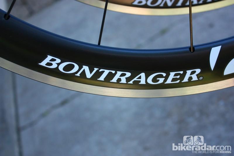 Road tubeless 2014: Bontrager's Aura 5 wheelset mates a 50mm carbon cone to an aluminum rim