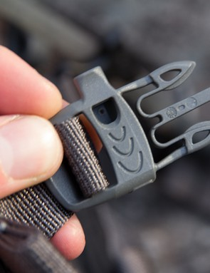 Dakine showing their smarts - a whistle in the sternum strap