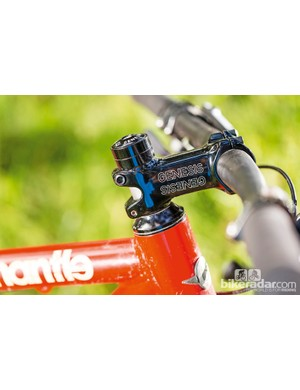 80mm stem and slack head angle give a vague front end feel