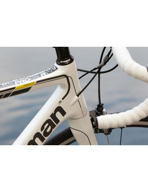 The Road Pro Carbon SLR has integrated cabling and weighs a claimed 7.55kg