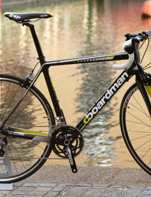 The £999 Boardman Road Team Carbon is fitted a Shimano Tiagra/105 mix and Mavic CXP22S wheels – there's a women specific model too