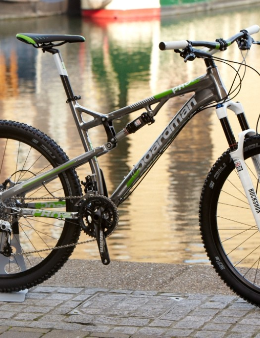 The Boardman Pro FS 650b (£1,599.99) boasts SRAM X9 shifting, Elixir 7 hydraulic discs, thru-axle hubs and Mavic XM319 wheels