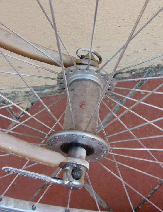 L'Eroica Pro bike: Phil Wood has produced these old-school style 36-spoke hubs, which are laced to Ergal tubular rims