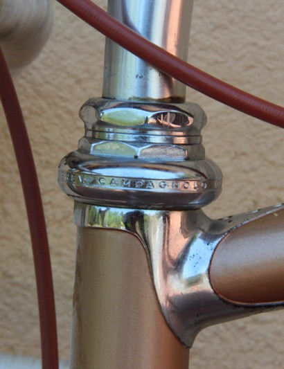 L'Eroica Pro bike: Campagnolo Nuovo Record headset matches the frame's sculpted lugs