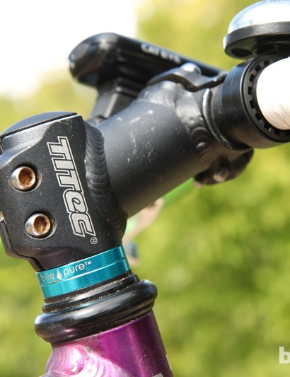 The stubby Titec Big Al stem is showing some signs of weather. Note the Bike Pure headset spacers