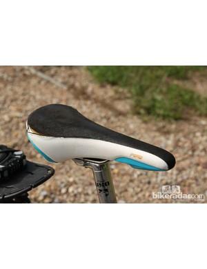This fi'zi:k Poggio saddle has seen better days