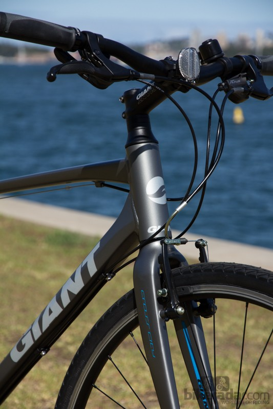 Giant Cross City 1 2014 - carbon composite fork and aluminum frame
