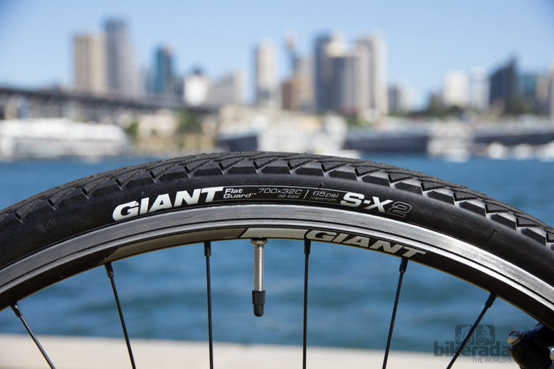 The Giant Cross City 1 comes with Giant's own S-X2 700 x 32c tyre, which is puncture resistant and fast enough