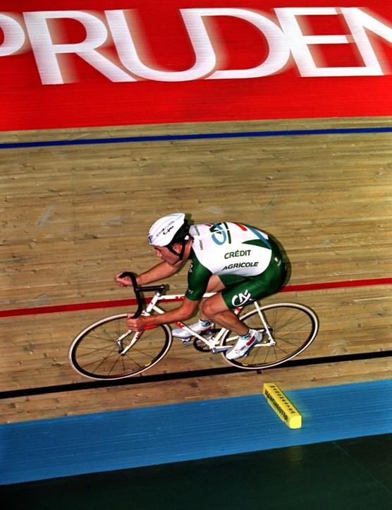 Chris Boardman in action during his hour record ride in 2000