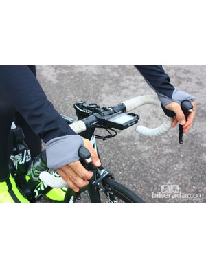 Bontrager fall wear: The RXL 180 Softshell Jacket has these thumb flaps on the longer sleeves