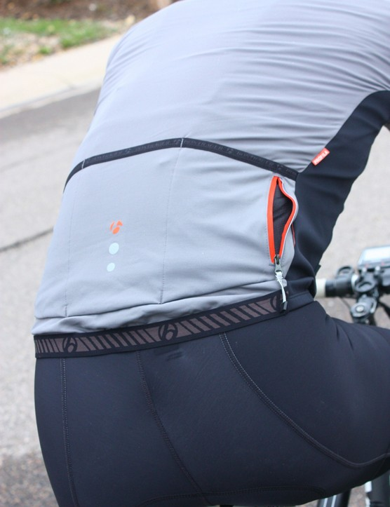 Bontrager fall wear: The RXL 180 Softshell Jacket has one zippered pocket on the chest and one on the back