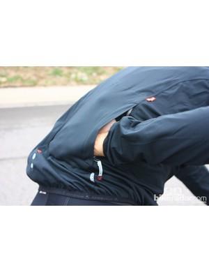 Bontrager autumn wear:The RXL 180 Stormshell Jacket has a single zippered side pocket