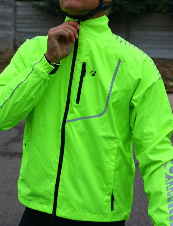 Bontrager fall wear: Bontrager has four fit styles: Pro Fit, Fitted, Semi-Fitted and Comfort Fit. This Commuter Jacket falls into the latter
